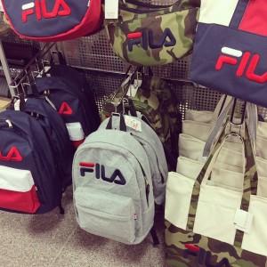バッグは型違いもたくさんあります!